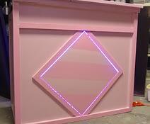 pink cocktailbar