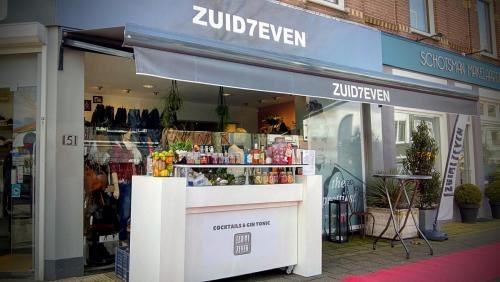 cocktailbar bij modewinkel in hilversum