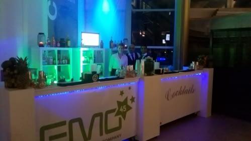 Luxury cocktail en gin tonic bar in de kuip voor EMO.NL 19-09-2018